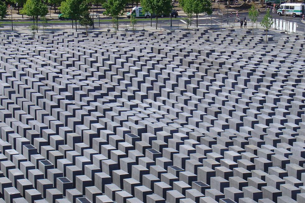 犹太人屠杀纪念碑
