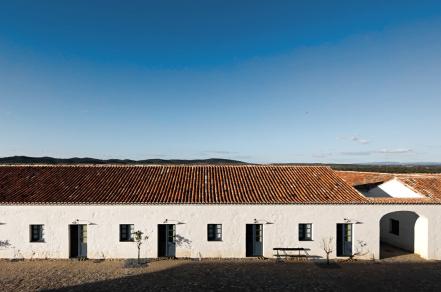 下榻地   Monte Alentejano:让德·莫拉拿下威尼斯双年展金狮奖的酒店