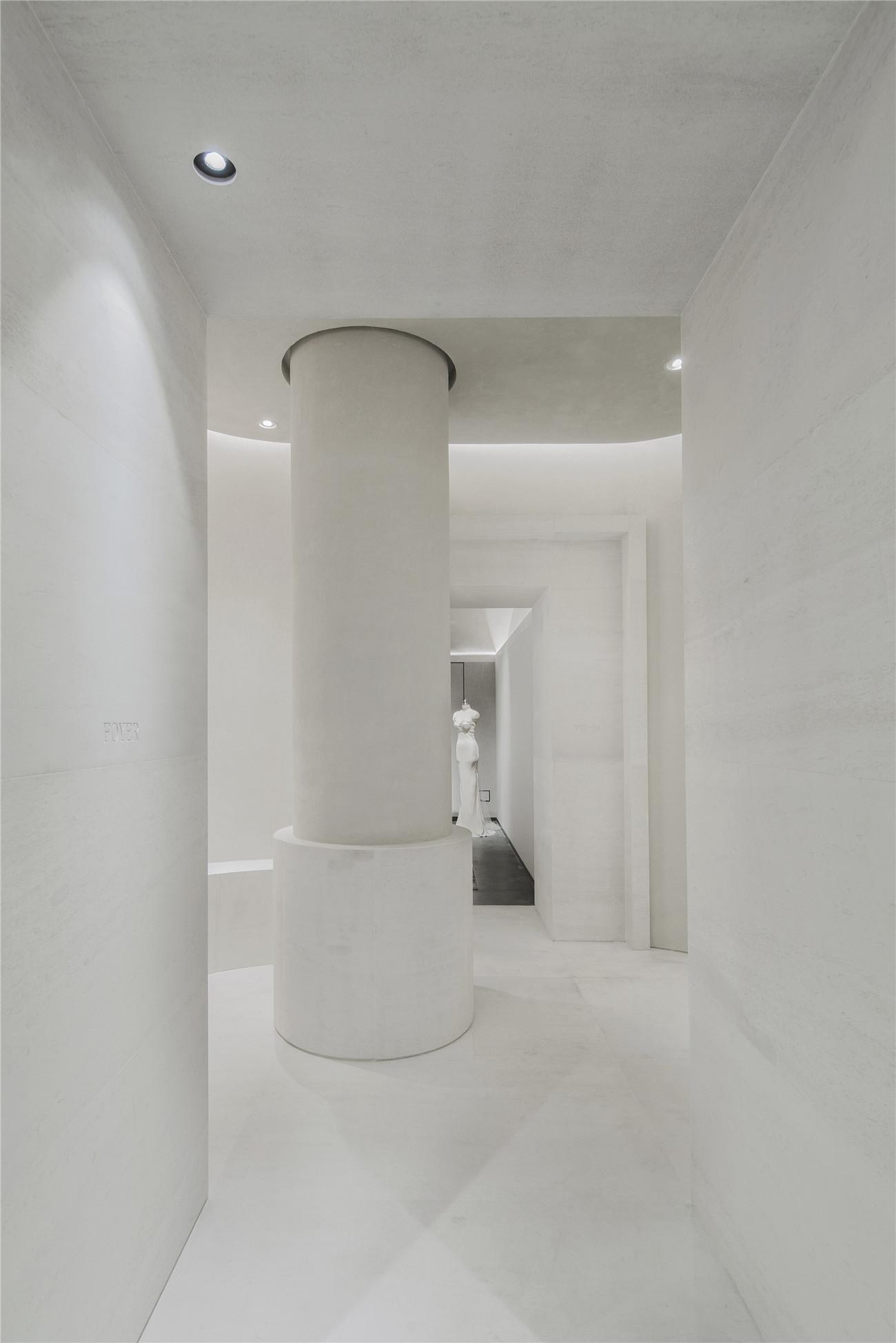 圆柱与空间的结合 摄影:沈忠海