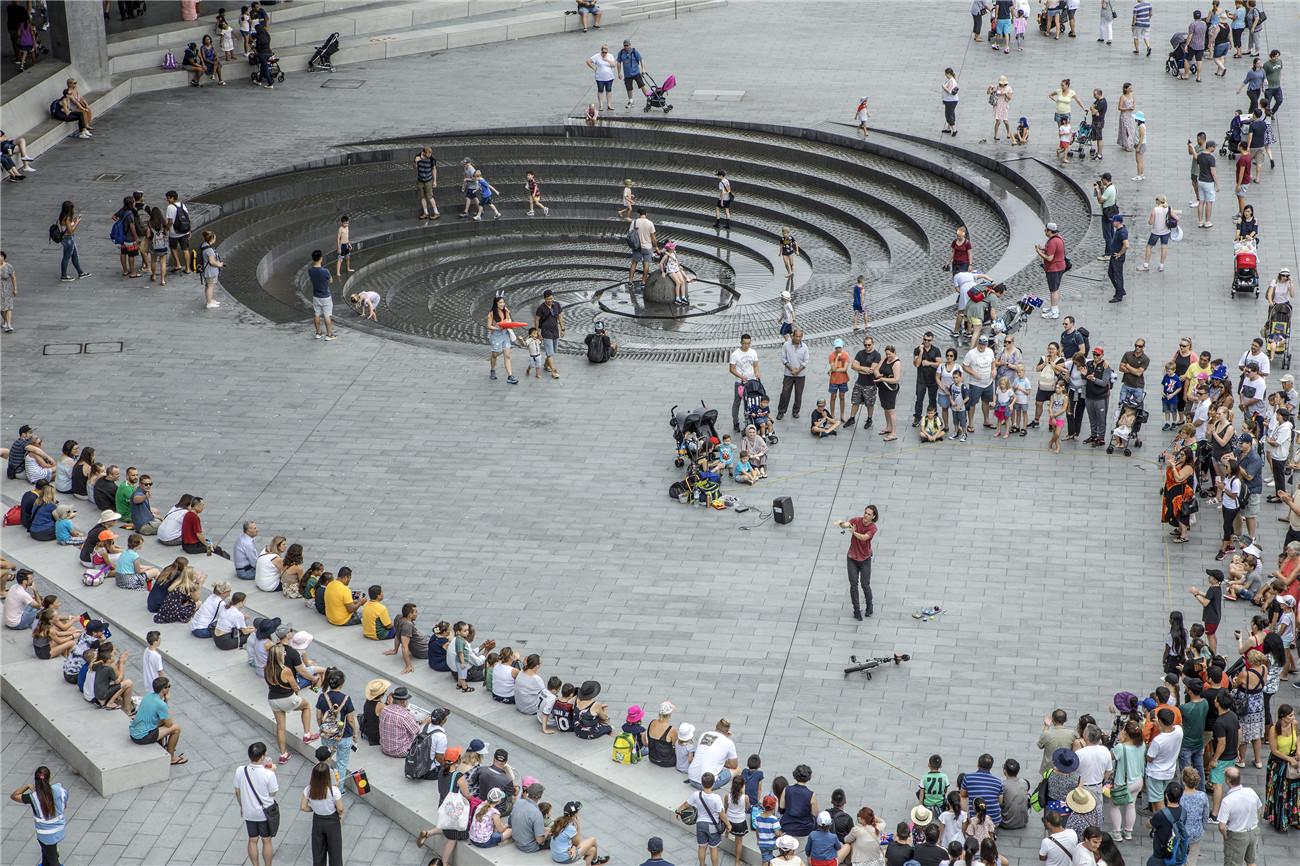 街头绿地_城市更新中滨水空间的转型与活化:悉尼达令港公共空间 / HASSELL ...
