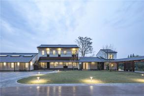 屋顶是建筑永恒的话题:崇明岛侯家镇文化活动中心 / 空间里建筑设计事务所