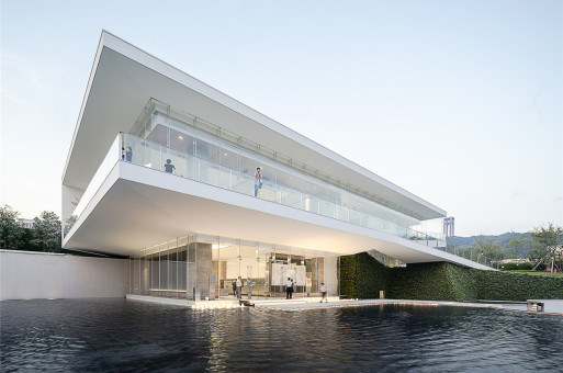 凭栏远眺:梧州美的城市展厅 / XAA建筑事务所詹涛工作室