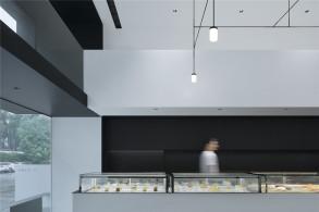 空间留白:厂子里的甜品盒子 / 大成设计