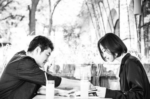 华黎 x 王珞丹:两个理想主义者与现实的死磕