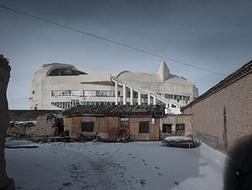 """新疆托里乡的""""洋毡房"""",不东不西的建筑 / 新疆玉点建筑设计"""