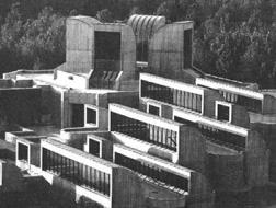 黑纱之下:从德黑兰当代艺术馆看伊朗现代建筑
