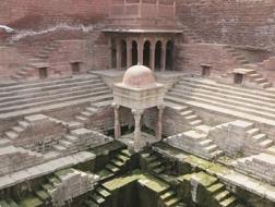 濒危之美:印度有一群正在消失的地下宫殿