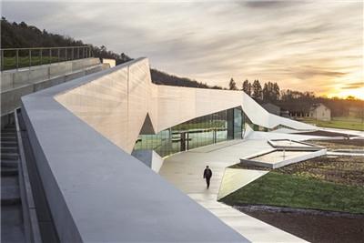 复刻两万年前的记忆:Lascaux IV壁画博物馆 / Snøhetta
