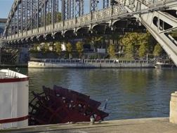 勒·柯布西耶改造的驳船于上个月沉没
