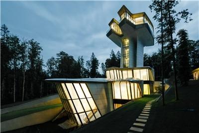扎哈设计的唯一私宅,在莫斯科落成