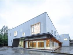 轻盈的转换:复旦大学艺术教育馆改造 / 水石设计米川工作室