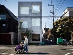 东京的家:法国摄影师镜头下的日本当代住宅群像