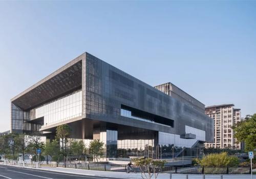 广州市城市规划展览中心:根植场地、传承岭南 / 华南理工大学建筑设计研究院