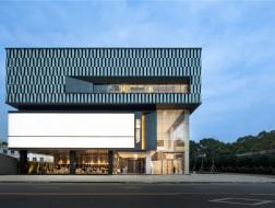 城市光之舞台:常德右岸文化艺术中心 / 汇创国际