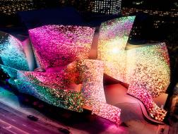 """弗兰克·盖里的华特·迪士尼音乐厅被""""梦幻改造"""""""