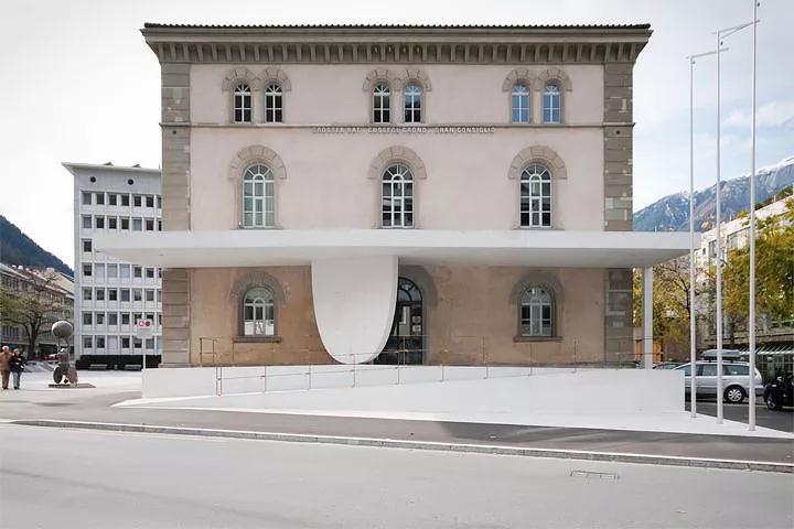 格劳宾登剧院入口加建
