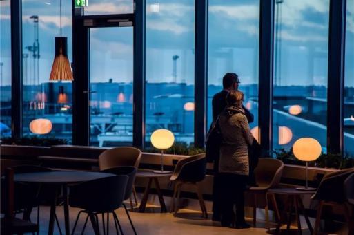 返工前夜,机场是现代人的心灵港湾:明捷贵宾休息室 / 丹麦ZESO建筑师事务所