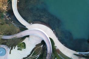 一条路的自在蔓延:成都麓湖生态城G1艺展公园 / GVL怡境国际设计集团