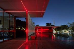 建筑一周 | 密斯的巴塞罗那馆被红色激光照亮,首尔机器人科学博物馆将由机器人建造