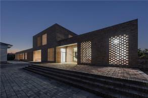 重塑人文品质:三河村村民活动中心 / 垣建筑设计工作室