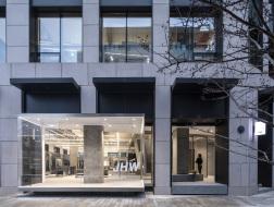 水刷石和不锈钢的化学反应:JHW服装店 / 西涛设计工作室
