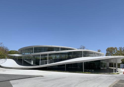 走进妹岛和世新作:大阪艺术大学艺术科学系馆