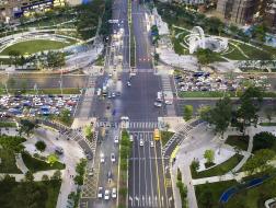 十字路口的公园门户:深圳宝安中心区四季公园 / 译地事务所