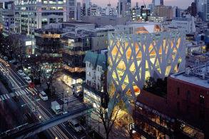 东京:一千米长的街道,能挤进多少个著名建筑师作品?