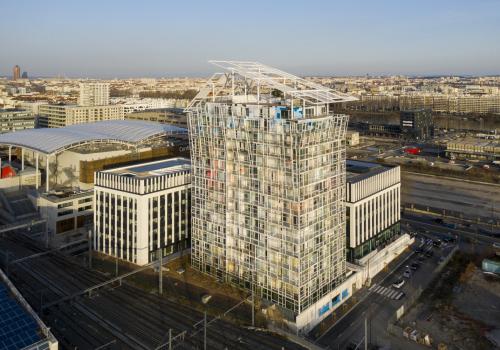 让·努维尔新作:立面叠加下的微型过渡空间,Ycone住宅大楼