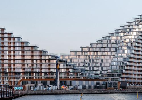 BIG新作:山峰状外形,阶梯式屋顶,混搭丹麦城市住宅范式的AARhus