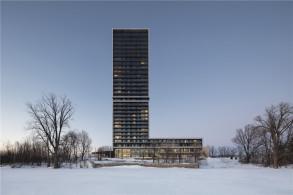 立面对比形成视觉吸引:Panorama养老综合体 / ACDF Architecture