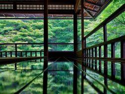 镜龛中的山水:日本古典庭园