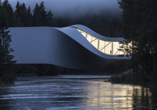 "BIG挪威首作:""扭桥""博物馆,""可栖居的桥梁"""