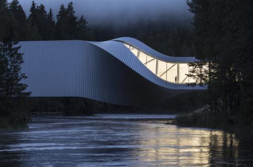 """BIG挪威首作:扭体博物馆,""""可栖居的桥梁"""""""