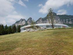 在云上:武隆·懒坝美术馆 / C+ Architects建筑设计事务所