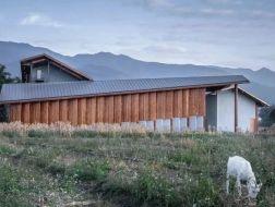 蕉岭棚屋:营造乡村客厅 / 造作建筑工作室