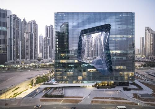 扎哈事务所新作:迪拜奥普斯大厦,融化的方块
