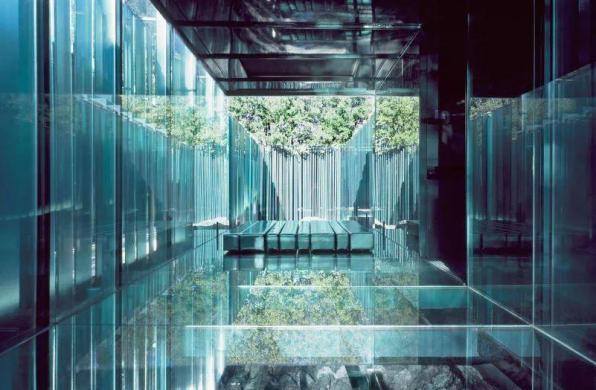 下榻地 | 莱斯·高尔斯休憩亭:玻璃幻境