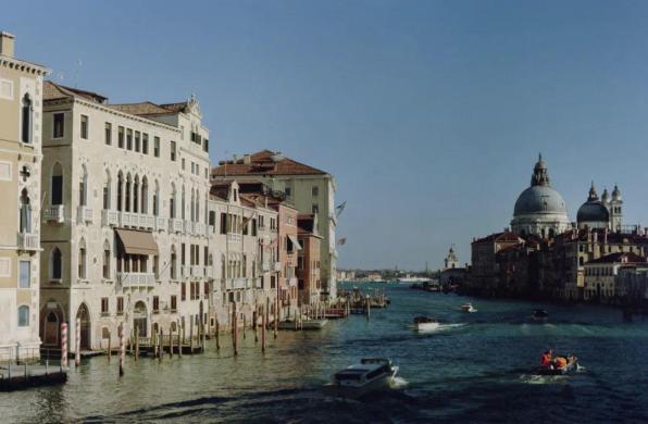 从《看不见的城市》到意大利