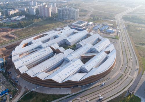 赫尔佐格与德梅隆设计:Skolkovo科学技术研究所东环,环与块的叠加互动