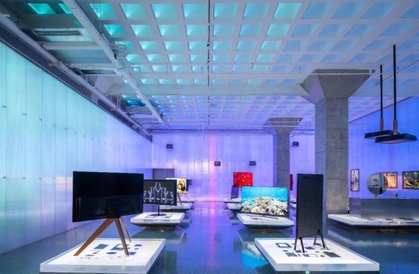 光谱特征营造空间:海信科学探索中心未来展厅 / 裸筑更新建筑设计事务所