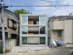 弯曲的楼板:被风拥抱的家 / Takeshi Hosaka Architects
