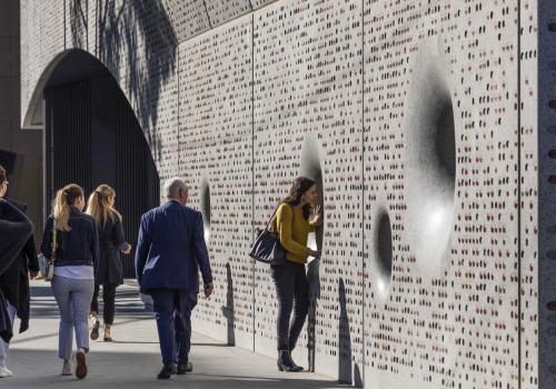 """""""窥""""入音乐厅:墨尔本大学伊恩·波特南岸中心 / John Wardle Architects"""