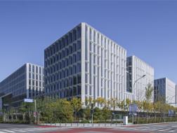 景观化的办公园区:北京·银行保险产业园649地块 / 华东建筑设计研究总院