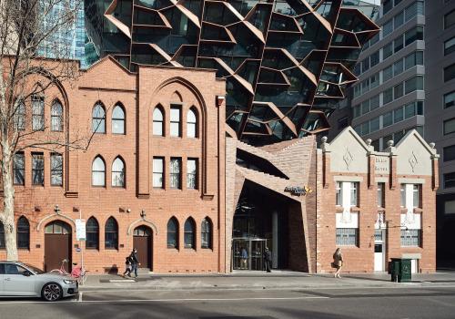 墨尔本春天街271号城市更新:庄重与灵动的和谐 /  John Wardle Architects