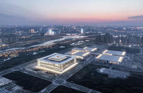丝路元素的空间转译:西安丝路国际会展中心建筑群 / gmp