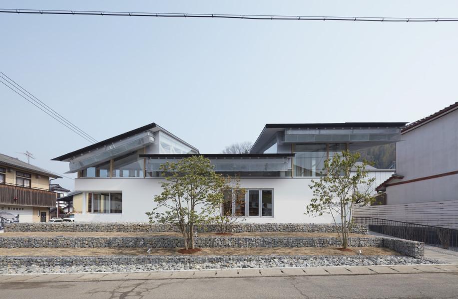 竹田市立图书馆:融于场地肌理的屋面 / TAKAO SHIOTSUKA ATELIER