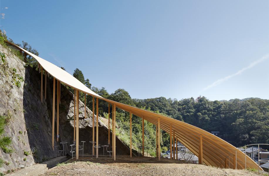 """西泽立卫作品:京都艺术大学""""屋顶与蘑菇""""展亭"""