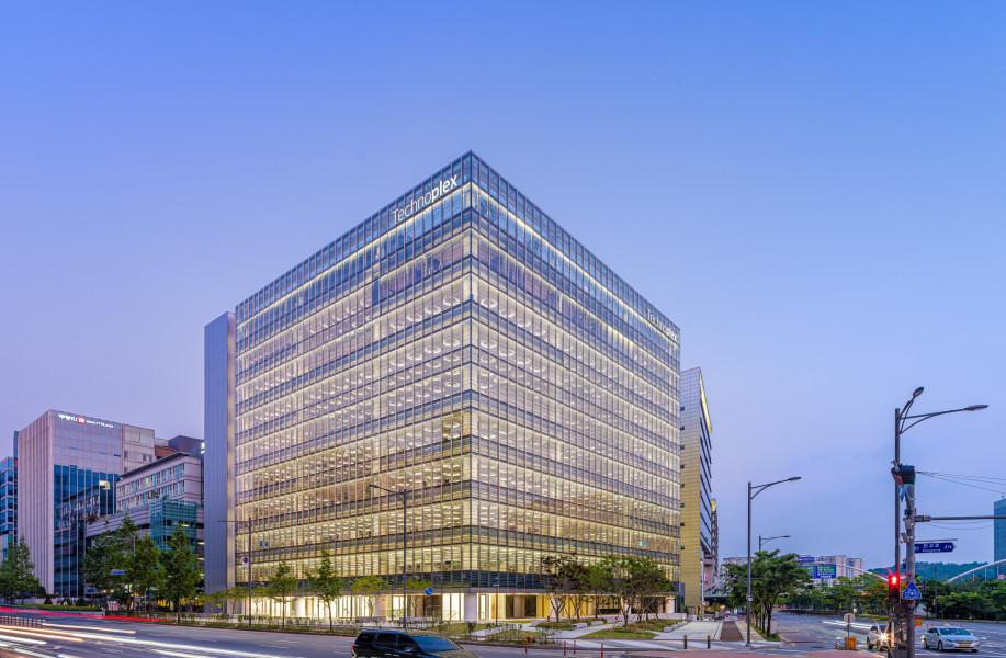 福斯特事务所新作:韩国韩泰轮胎科技大楼