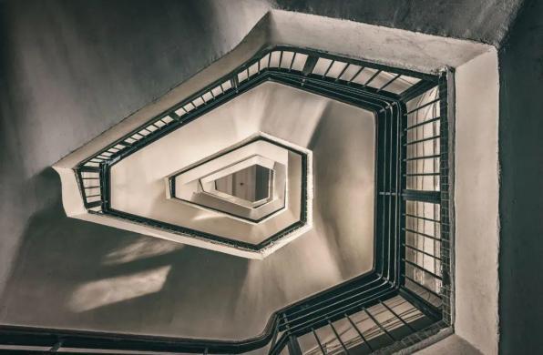 摄影师镜头下的梦幻楼梯间